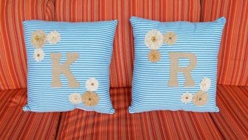 How to Use Personalized Throw Pillows to Add Pizzazz to Your Favorite Room