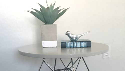 How to Give Your Thrift Store Table a Makeover