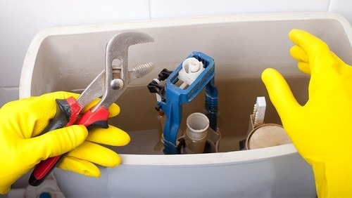 How to Put in a New Toilet Fill Valve