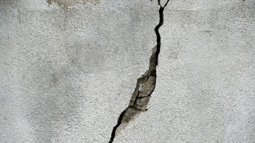 How to Fix Damaged Walls with Minimal Stress