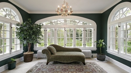 How to Choose the Best Color Scheme for Your Sunroom