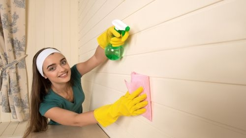 How to Wash Your Interior Walls Without Harming the Paint
