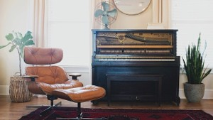 How to Decorate Your Piano to Enhance Your Home's Design Style